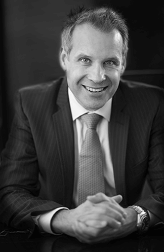 Dr Peter Laniewski, specialist plastic surgeon, profile image for about page